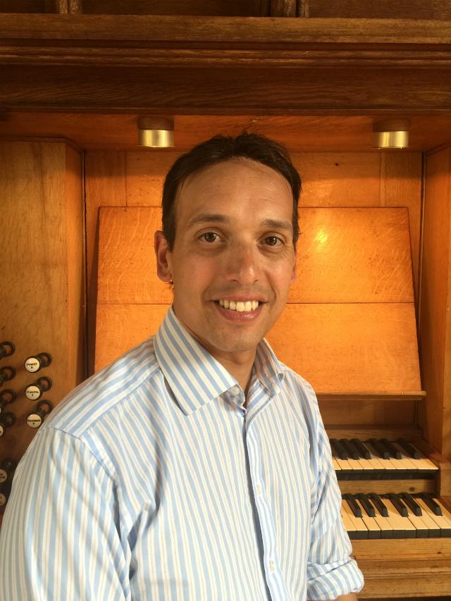 Jonathan Kingston - Viscount Organist